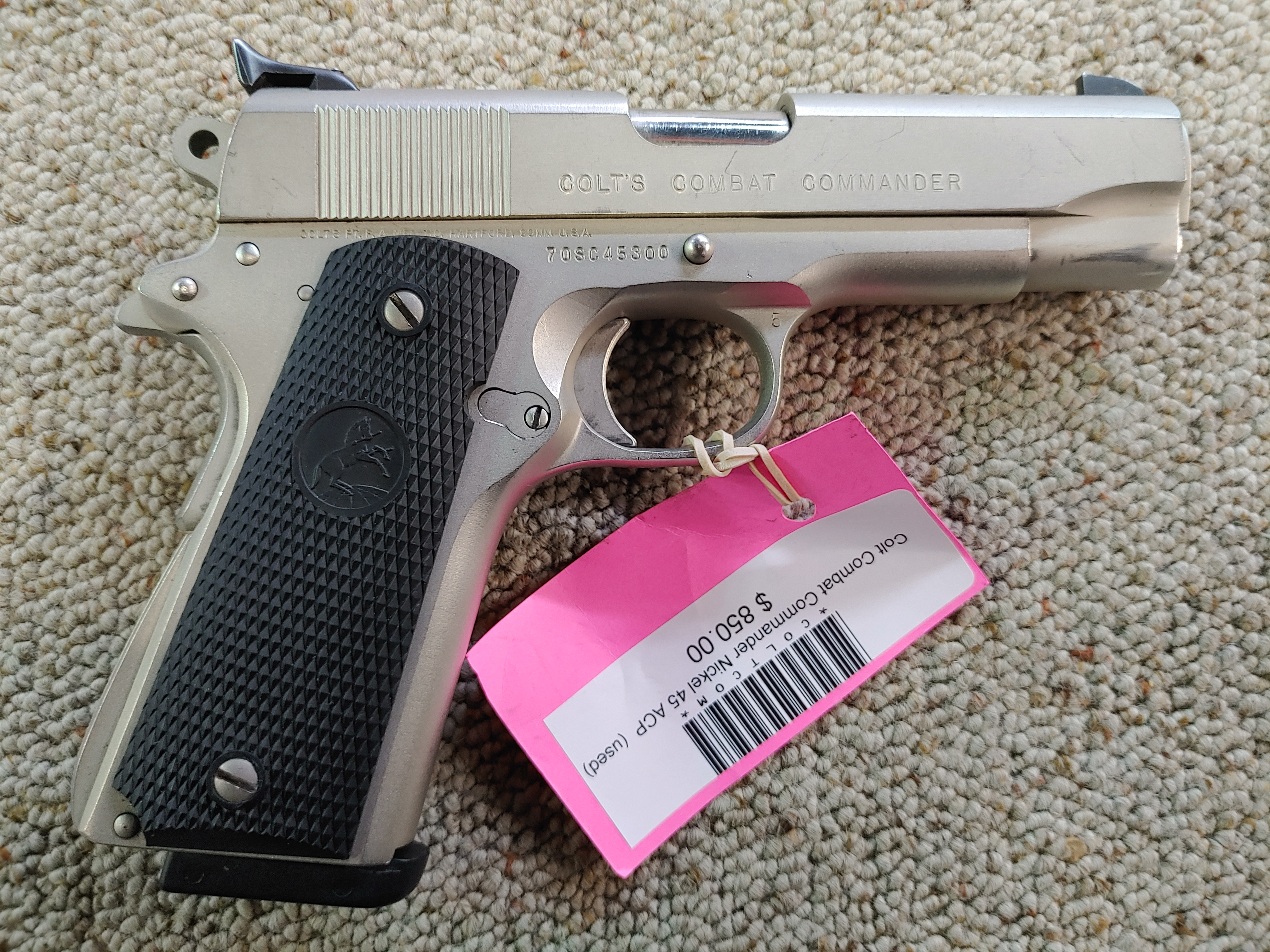 Colt Combat Commander .45 acp (used) - Click Image to Close